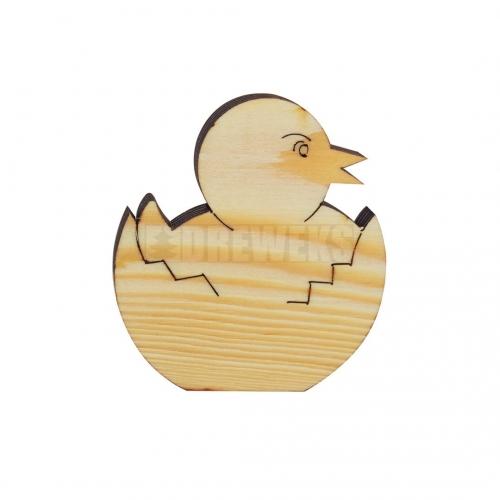 Drewniany kurczak w jajku