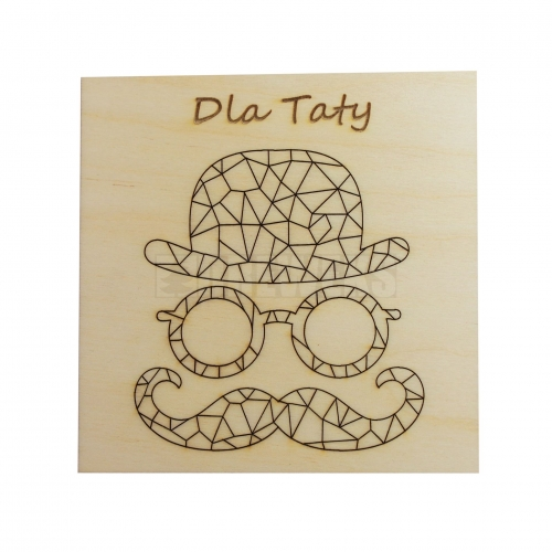 """Wooden badge with the inscription """"Dla taty"""""""